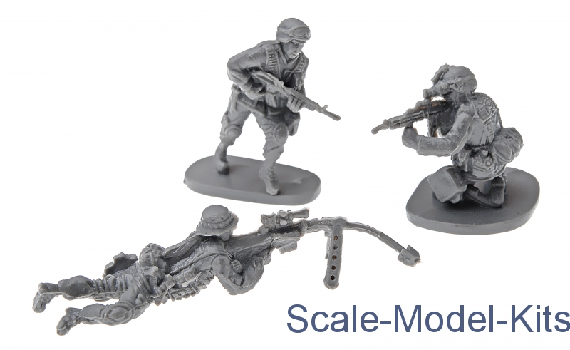Modern U S Army With Desert Equipment Caesar Miniatures